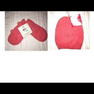 NWT Hanna Andersson mittens and beanie set